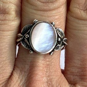 Sterling Silver 925 Premier Designs Oval Inlay Pink Mother of Pearl Ring Size 8
